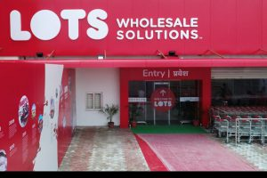 LOTS Wholesale Solutions announces investments worth INR 250 cr at UP Investors Summit 2018